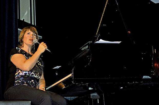 DSC_1726Sanna_piano.jpg